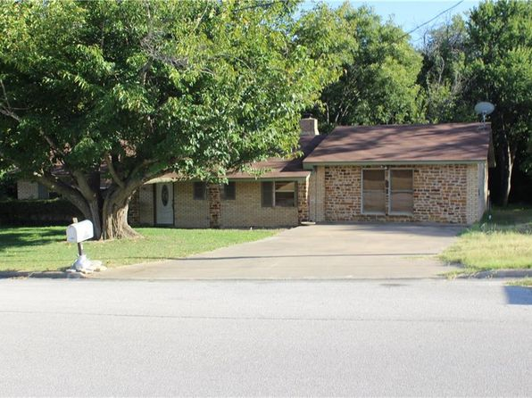 3 bed 2 bath Single Family at 1304 E Boynton St Hamilton, TX, 76531 is for sale at 175k - 1 of 36