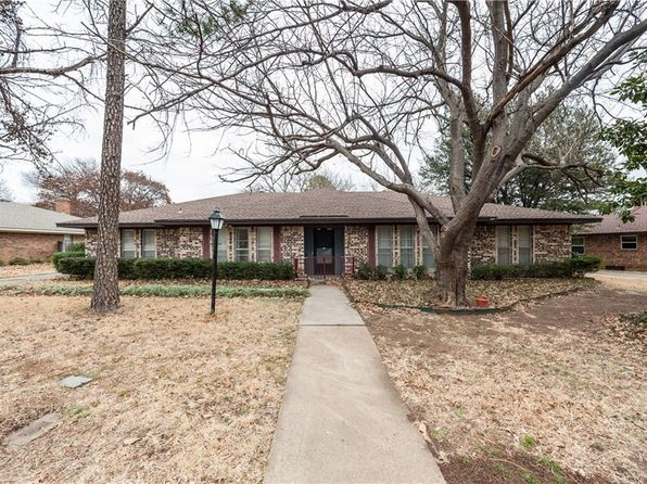 3 bed 2 bath Single Family at 2504 WELLINGTON DR DENTON, TX, 76209 is for sale at 225k - 1 of 36