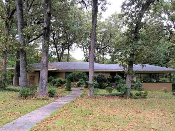 3 bed 3 bath Single Family at 715 Oakwood Dr Clinton, MS, 39056 is for sale at 169k - 1 of 5