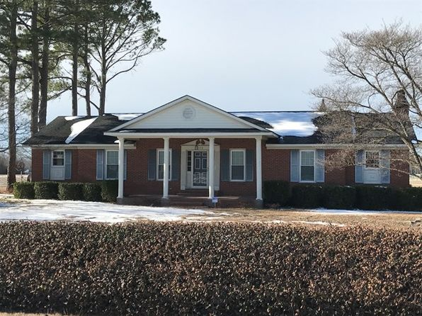 3 bed 2 bath Single Family at 128 Nc 403 Hwy Mt Olive, NC, 28365 is for sale at 220k - 1 of 23