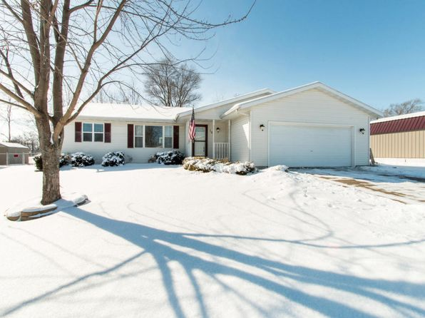 3 bed 3 bath Single Family at 143 EMILY LN DARIEN, WI, 53114 is for sale at 190k - 1 of 25
