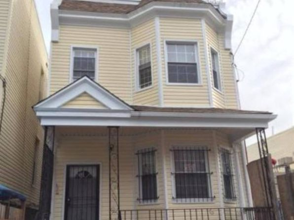 null bed null bath Single Family at 2062 Ryer Ave Bronx, NY, 10457 is for sale at 800k - 1 of 4