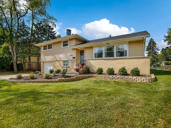 3 bed 2 bath Single Family at 202 N Beverly St Wheaton, IL, 60187 is for sale at 310k - 1 of 29