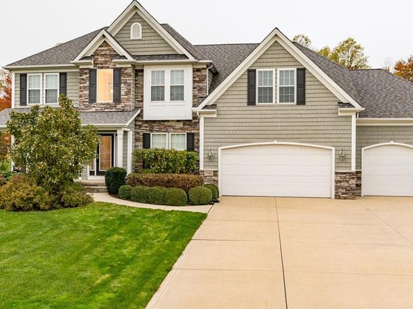 4 bed 4 bath Single Family at 7960 Forest Valley Ln Painesville, OH, 44077 is for sale at 385k - 1 of 34