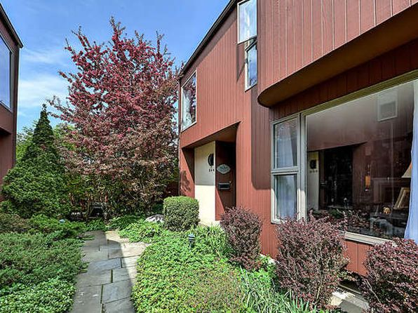 3 bed 3 bath Townhouse at 944 Washington St Glenview, IL, 60025 is for sale at 435k - 1 of 36