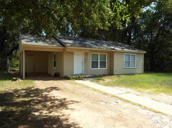 2 bed 1 bath Single Family at 3054 Letourneau Dr Longview, TX, 75602 is for sale at 48k - 1 of 7