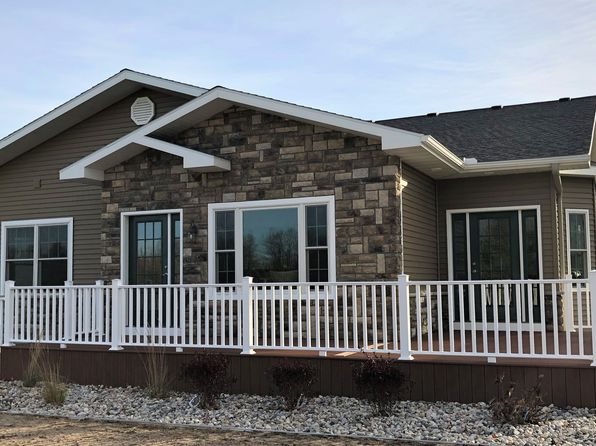 2 bed 2 bath Single Family at 3276 Wexford Dr Traverse City, MI, 49685 is for sale at 330k - 1 of 26