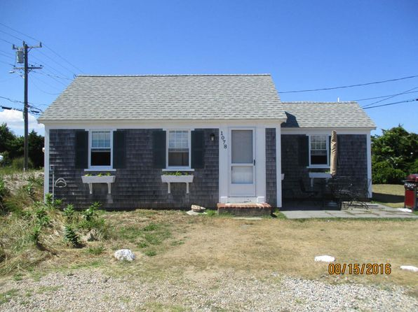 2 bed 2 bath Single Family at 1078 Craigville Beach Rd Centerville, MA, 02632 is for sale at 419k - 1 of 7