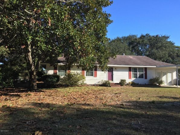 3 bed 3 bath Single Family at 802 Magnolia Ave Carolina Beach, NC, 28428 is for sale at 285k - 1 of 12