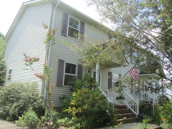 3 bed 3 bath Single Family at 560 Tarrytown Rd Christiansburg, VA, 24073 is for sale at 155k - google static map