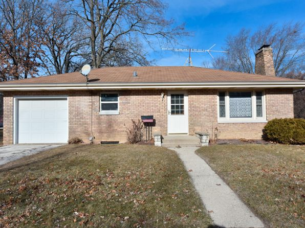 2 bed 2 bath Single Family at 2322 Edina Blvd Zion, IL, 60099 is for sale at 120k - 1 of 20