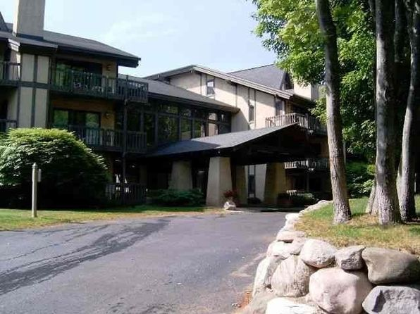1 bed 2 bath Condo at 5620 Highlands Dr Harbor Springs, MI, 49740 is for sale at 98k - 1 of 7