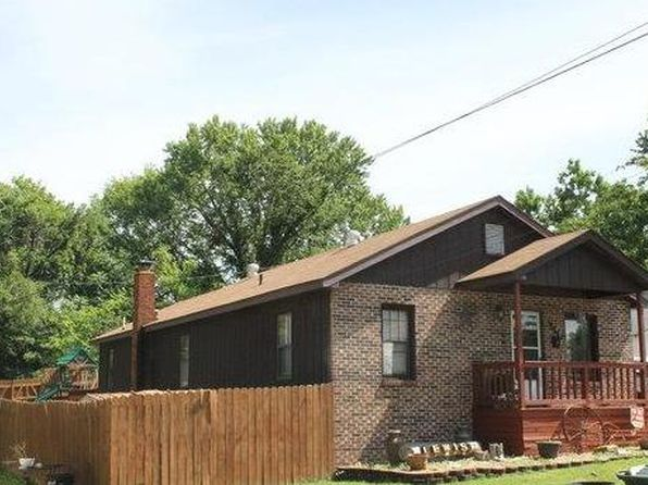 3 bed 2 bath Single Family at 702 W Acuff St Salem, MO, 65560 is for sale at 76k - 1 of 13