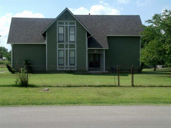 3 bed 1.5 bath Single Family at 411 W 13th St Eureka, KS, 67045 is for sale at 75k - 1 of 8