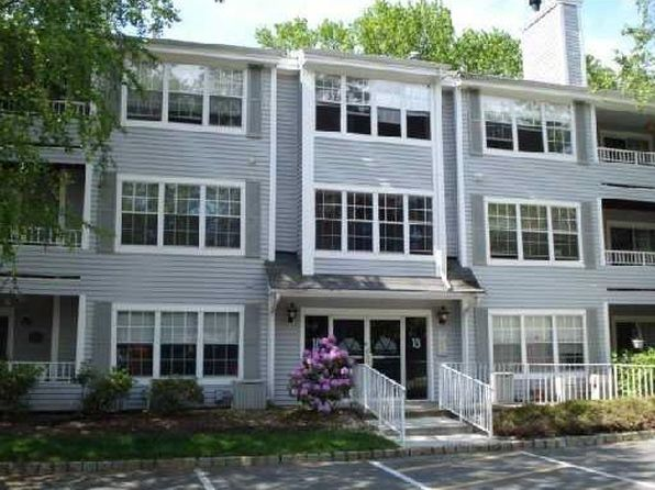 2 bed 2 bath Townhouse at 1809 Tanglewood Ct Helmetta, NJ, 08828 is for sale at 180k - 1 of 13
