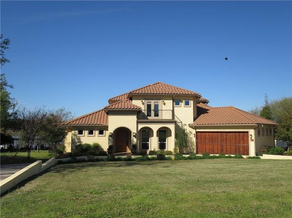 3 bed 5 bath Single Family at 731 Kiowa Dr W Gainesville, TX, 76240 is for sale at 725k - 1 of 24