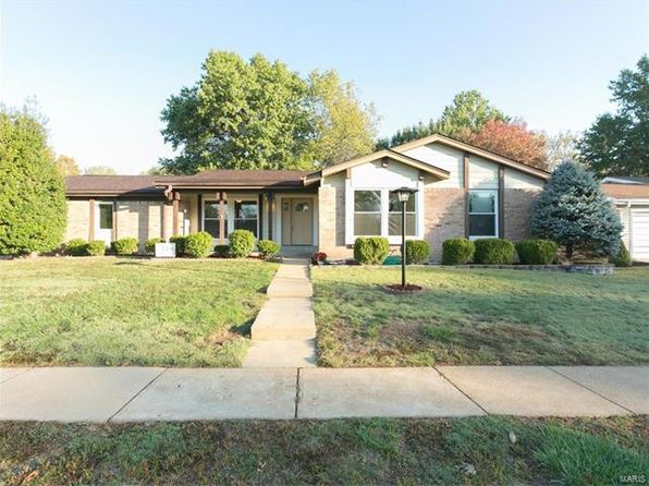 4 bed 3 bath Single Family at 10515 GREGORY CT SAINT LOUIS, MO, 63128 is for sale at 350k - 1 of 35
