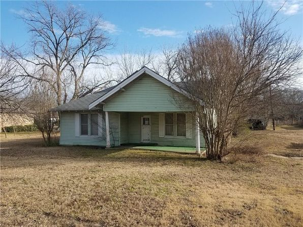 3 bed 1 bath Single Family at 504 E 9th St Kemp, TX, 75143 is for sale at 40k - 1 of 4
