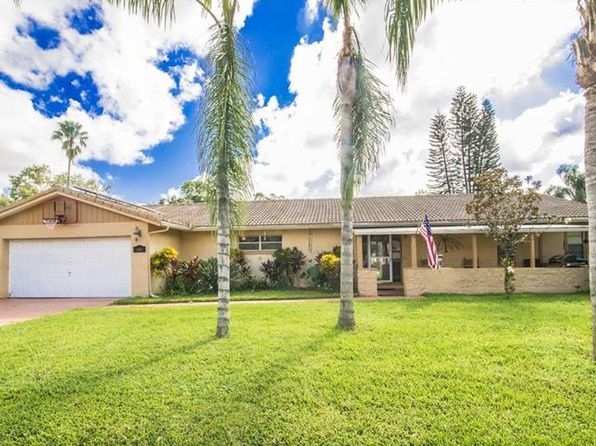 3 bed 2 bath Single Family at 10637 Deergrass Ln Orlando, FL, 32821 is for sale at 270k - 1 of 25