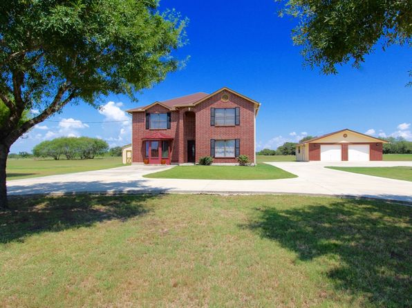 3 bed 3 bath Single Family at 133 Shannon Rdg Floresville, TX, 78114 is for sale at 350k - 1 of 25