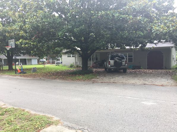 3 bed 2 bath Single Family at 218 Pelican Dr Atlantic Beach, NC, 28512 is for sale at 270k - 1 of 19