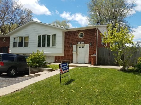 3 bed 2 bath Townhouse at 6740 Valley View Rd Hanover Park, IL, 60133 is for sale at 118k - 1 of 17