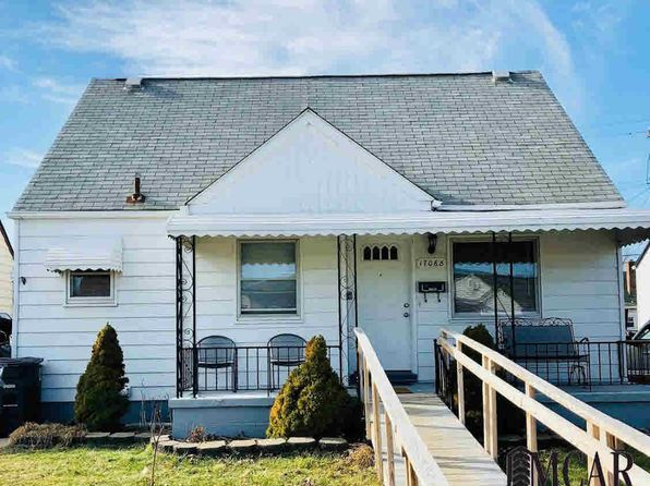 3 bed 1 bath Single Family at 17068 Brinson St Riverview, MI, 48193 is for sale at 116k - 1 of 10