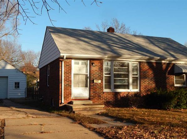 2 bed 1 bath Single Family at 1850 S Parkwood Ln Wichita, KS, 67218 is for sale at 68k - 1 of 27