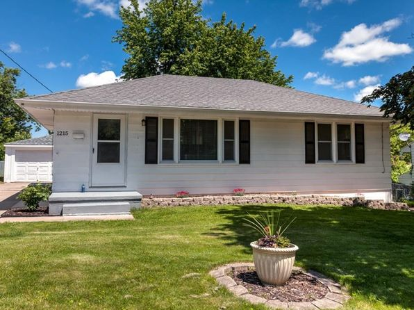 3 bed 1 bath Single Family at 1215 Wall Ave Des Moines, IA, 50315 is for sale at 144k - 1 of 25