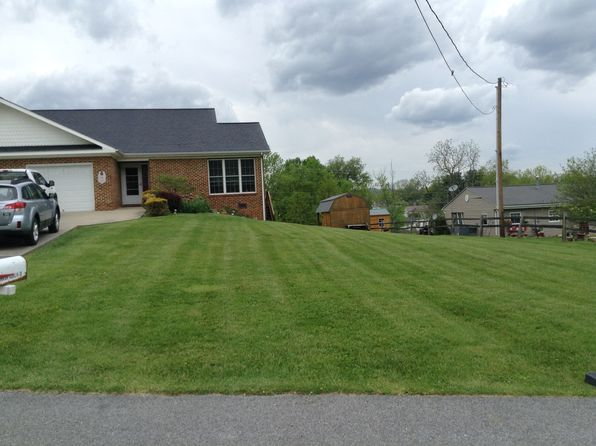 3 bed 2 bath Townhouse at 100 Linda Ln Tazewell, VA, 24651 is for sale at 125k - 1 of 20