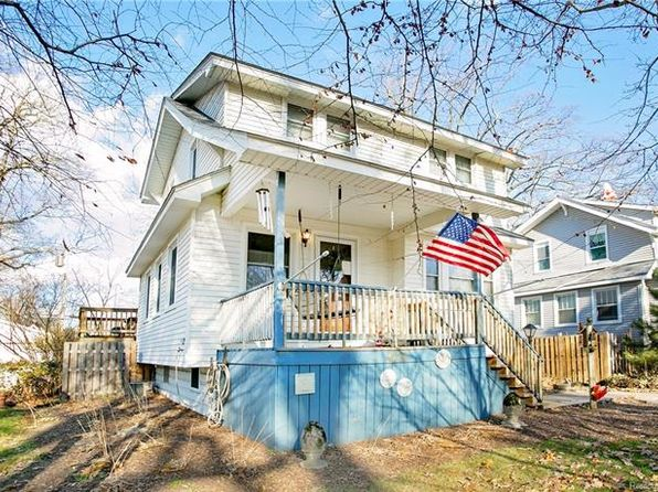 4 bed 2 bath Single Family at 517 Hawthorn Ave Royal Oak, MI, 48067 is for sale at 270k - 1 of 37