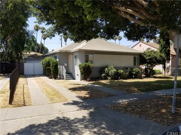 3 bed 2 bath Single Family at 1700 E Queensdale St Compton, CA, 90221 is for sale at 400k - 1 of 54