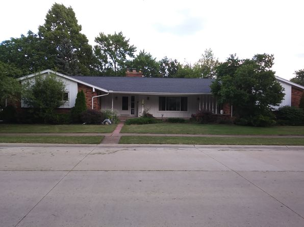 4 bed 3 bath Single Family at 717 Jackson Dr Port Clinton, OH, 43452 is for sale at 185k - 1 of 14