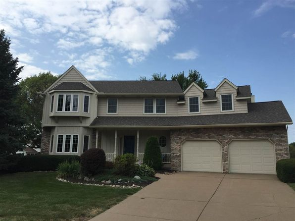 4 bed 3 bath Single Family at 10 Lakeview Ct Davenport, IA, 52807 is for sale at 375k - 1 of 24