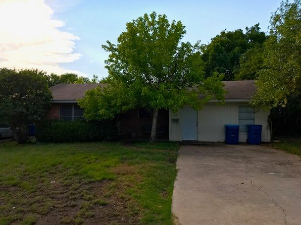 3 bed 2 bath Single Family at 432 Westminster St Kerrville, TX, 78028 is for sale at 120k - 1 of 4