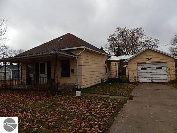 3 bed 1 bath Single Family at 413 Linden St Cadillac, MI, 49601 is for sale at 30k - 1 of 5