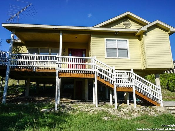 3 bed 2 bath Single Family at 217 VALLEY RDG CANYON LAKE, TX, 78133 is for sale at 185k - 1 of 19