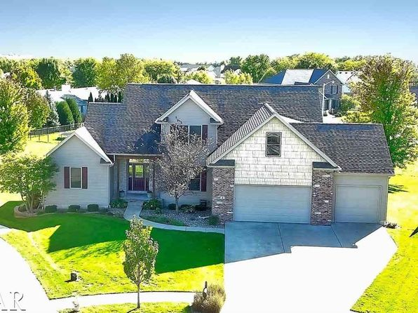 5 bed 4 bath Single Family at 4 Indigo Run Bloomington, IL, 61705 is for sale at 320k - 1 of 30