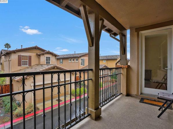 2 bed 2 bath Townhouse at 5533 Via Lugano Fremont, CA, 94555 is for sale at 735k - 1 of 28