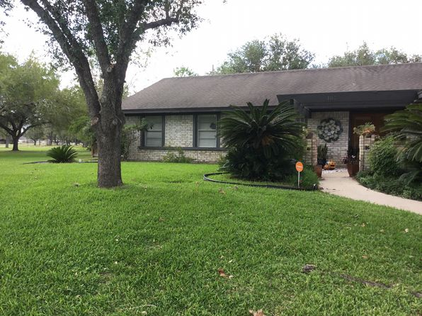 4 bed 2 bath Single Family at 107 Harpers Ferry St Victoria, TX, 77904 is for sale at 239k - 1 of 12