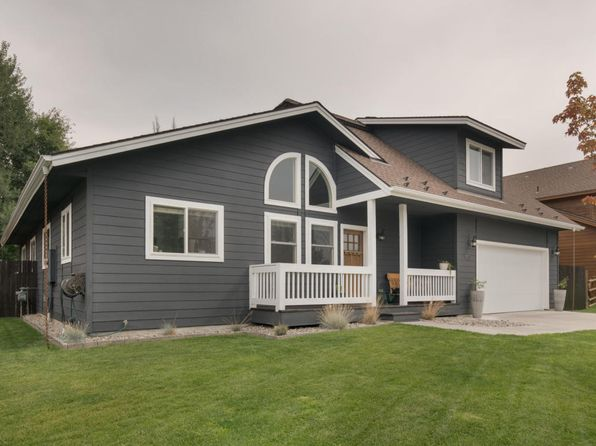 4 bed 2.5 bath Single Family at 931 FOXMOOR DR HAILEY, ID, 83333 is for sale at 439k - 1 of 21