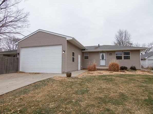 3 bed 3 bath Single Family at 407 H Ave Kalona, IA, 52247 is for sale at 220k - 1 of 32