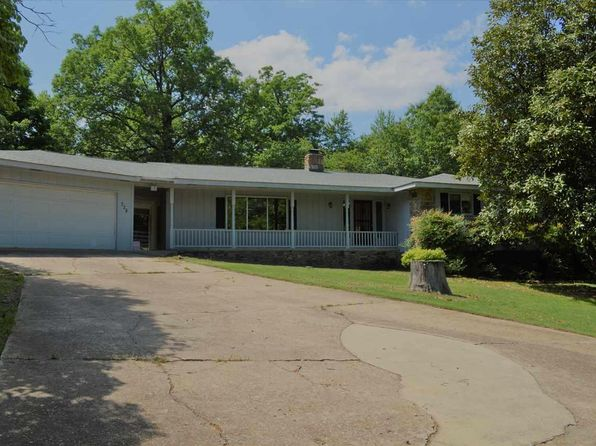 3 bed 2 bath Single Family at 328 Robinson Loop Mountain Home, AR, 72653 is for sale at 143k - 1 of 13