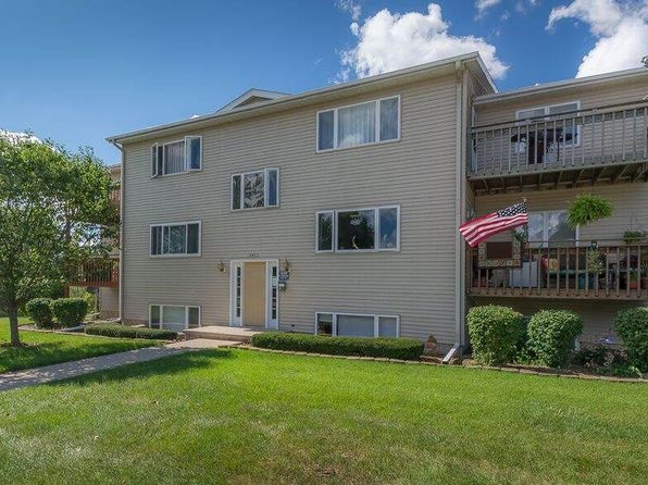 2 bed 1 bath Condo at 2413 W 54th St Davenport, IA, 52806 is for sale at 87k - 1 of 8