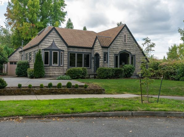 3 bed 2 bath Single Family at 2740 SE Bybee Blvd Portland, OR, 97202 is for sale at 570k - 1 of 26