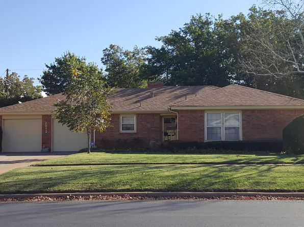 3 bed 2 bath Single Family at 2012 Ennis St Plainview, TX, 79072 is for sale at 125k - 1 of 19