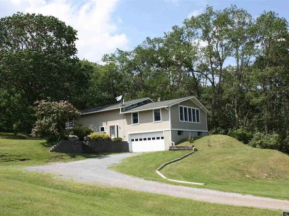 3 bed 2 bath Single Family at 373 Beechwood Rd Hoosick Falls, NY, 12090 is for sale at 190k - 1 of 25