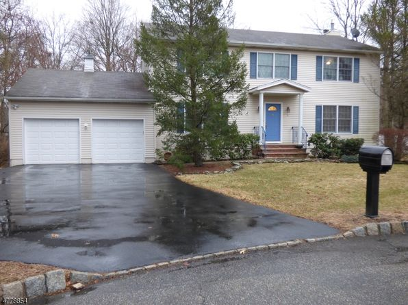 5 bed 3 bath Single Family at 5 Kram Ct Wayne, NJ, 07470 is for sale at 595k - 1 of 21