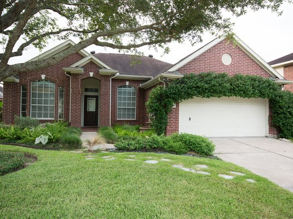 3 bed 2 bath Single Family at 8714 Saratoga Dr Sugar Land, TX, 77479 is for sale at 240k - 1 of 14