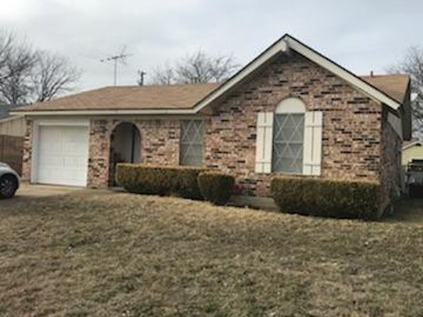 3 bed 2 bath Single Family at 1426 Mimosa St Cleburne, TX, 76033 is for sale at 125k - 1 of 15